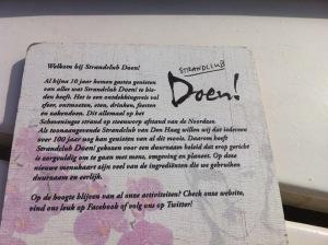 Hier ist nicht nur die Karte schön: Doen! - Ebenfalls eine Strandbar in Scheveningen
