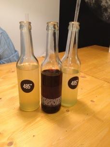Ginger Bomb-Limonade und Premium Cola