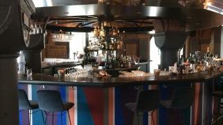 Unser Favorit: Die runde Bar