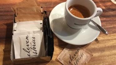 Ja, auch der Espresso ist ein Gedicht (oder auch: Der Espresso ist auch eine Story wert.)