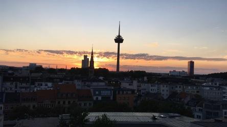 """Der """"Colonius"""" - Von der Dachterrasse des 25 Hours Hotel aus gesehen"""